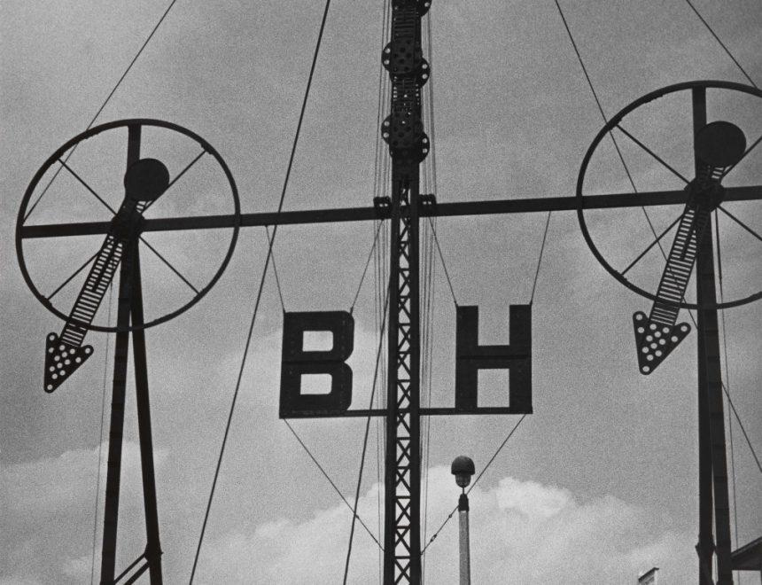 Herbert List / Wind Gauge Bremerhaven, 1933