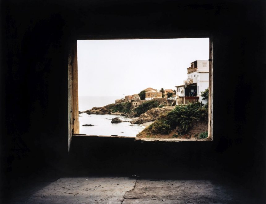 Zineb Sedira / Framing the view IV, 2006. Cortesía de la artista y Kamel Mennour, Paris / London © Zineb Sedira, VEGAP, València, 2019